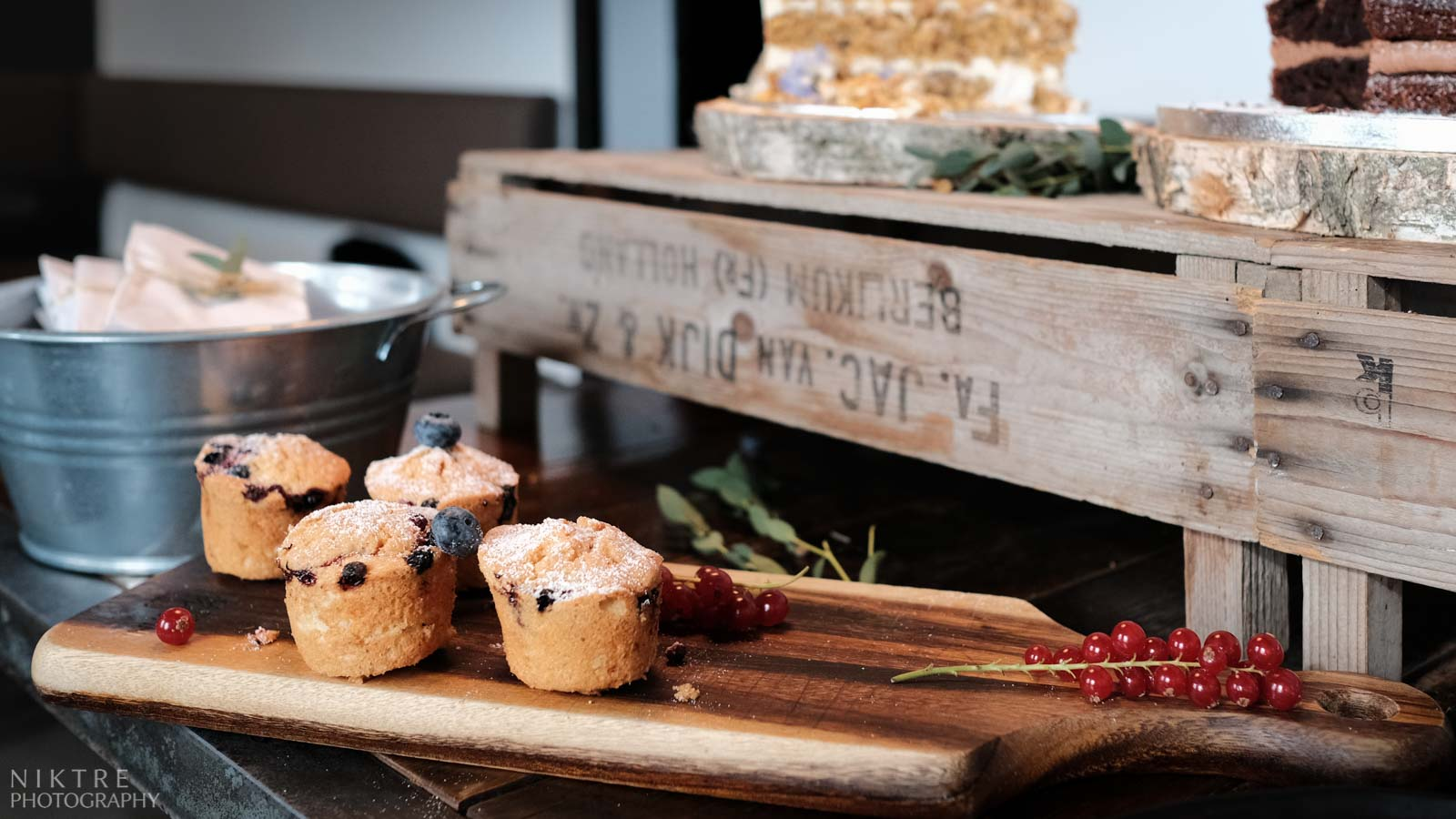 Muffins als Zusatz zu einer Torte bei einer Hochzeit