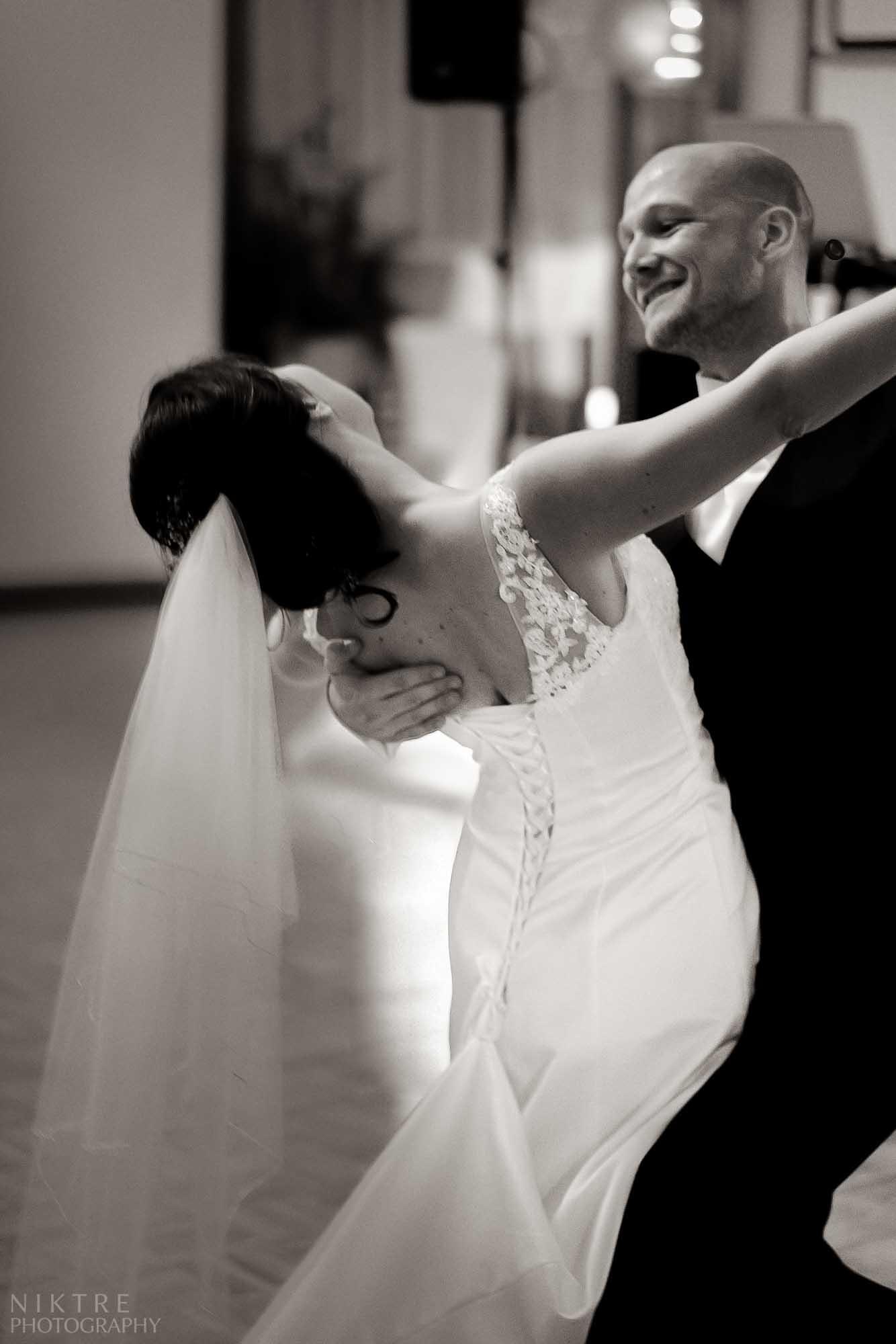 Brautpaarestanz bei der Hochzeit